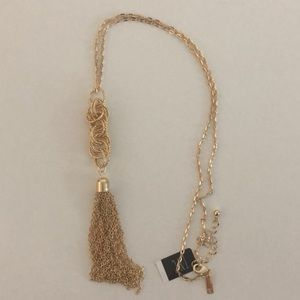 NWT INC Necklace